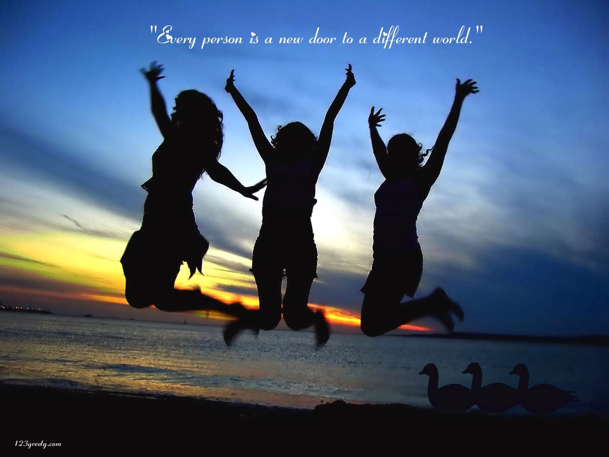 three-girl-friends-wallpaper